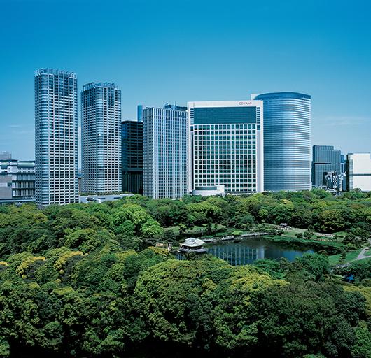 美しい景観と静寂に包まれる東京庭園巡り