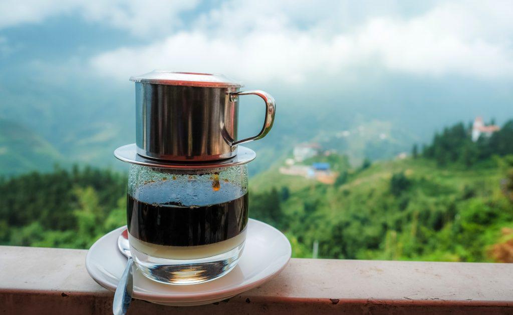 フランス文化を継承する、 ベトナムコーヒーとワイン