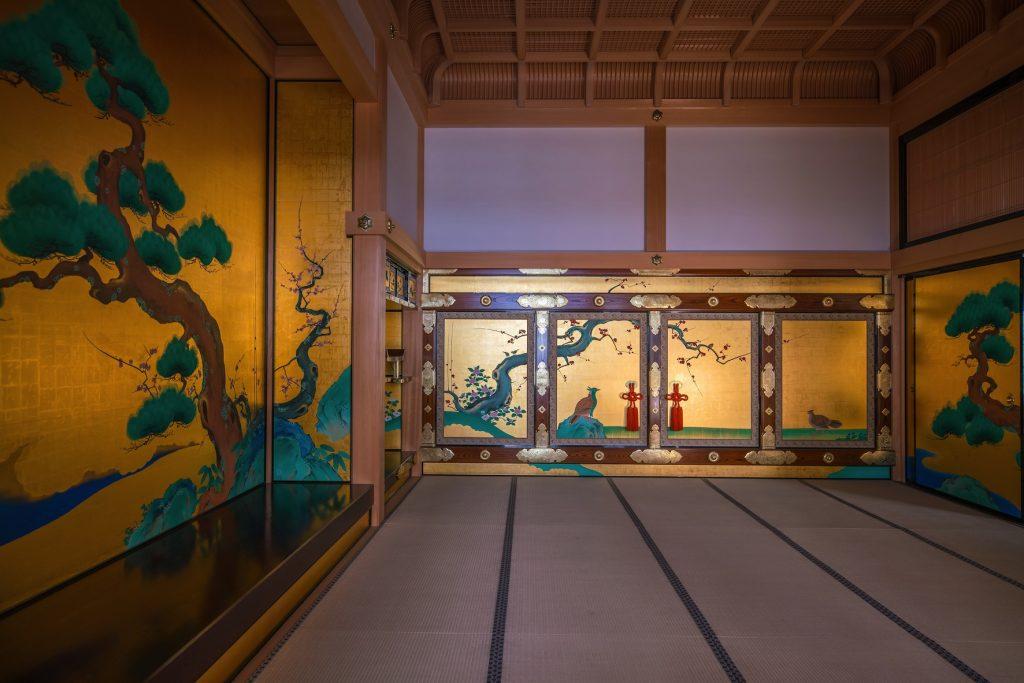 今年6月に完成公開された 名古屋城本丸御殿へ