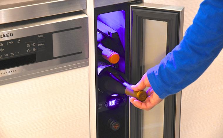 温度調節が可能なワインセラーだから、好みのワインを最適な温度で楽しめます