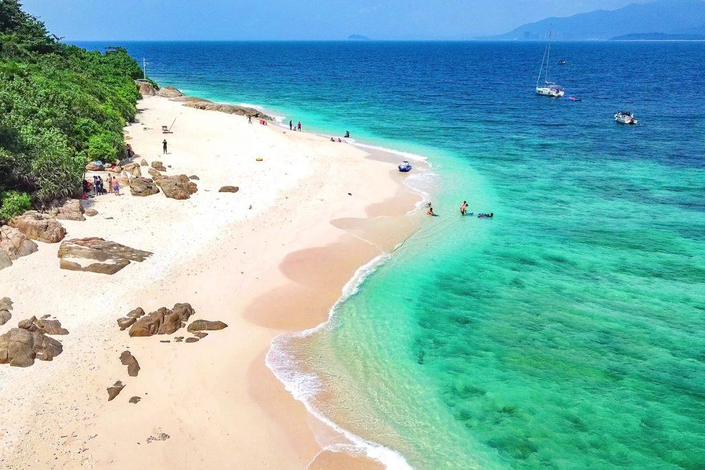 中国、海南島(ハイナン島)