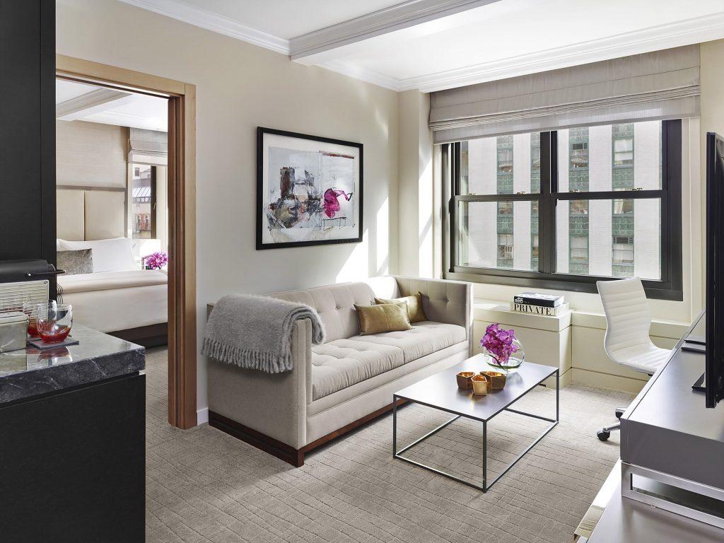 家具の配置と色を工夫して、お部屋を明るく広い空間に