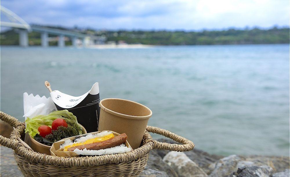 沖縄・瀬底島で、本部町グルメをウサガミソーレー!