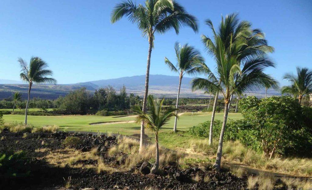 趣味のゴルフに興じ、カメラで美しい風景を切り取る楽しみ