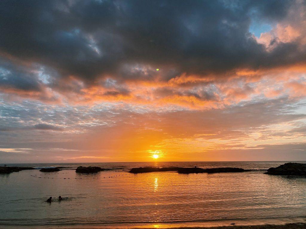 【オアフ島】サンセットビーチで夕暮れ時の風景を堪能